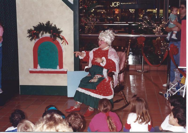 Mrs. Claus and Susi Wolf on stage